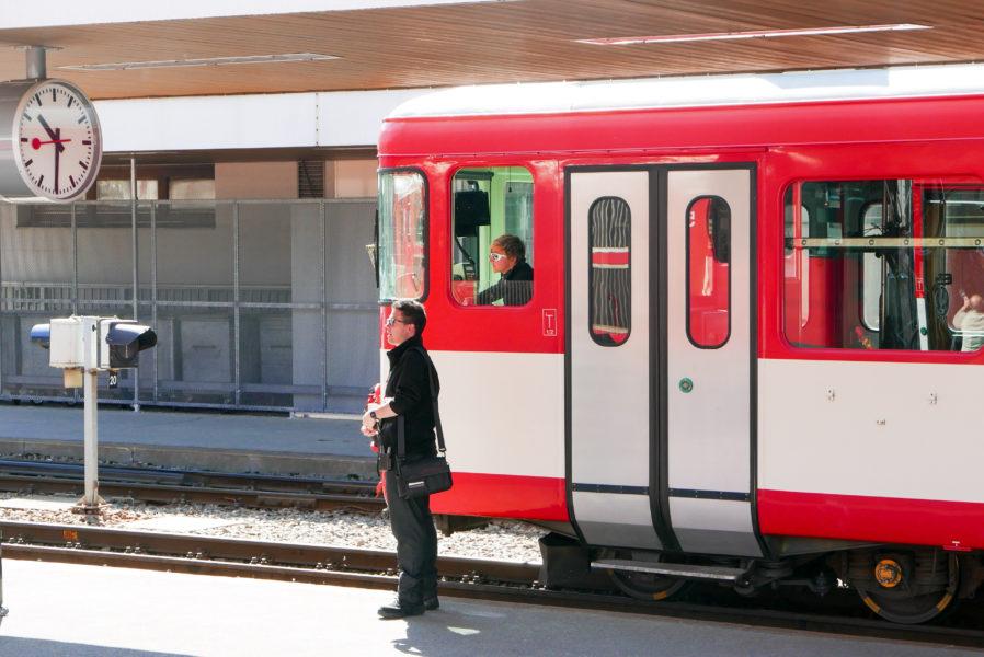 Nicht nur bei den Schweizer Eisenbahnen ist Pünklichkeit Pflicht. In einem internationalen Konzern ist man als Schweizer Standort bei Telefonkonferenzen oft zu früh im Call - weil pünktlich